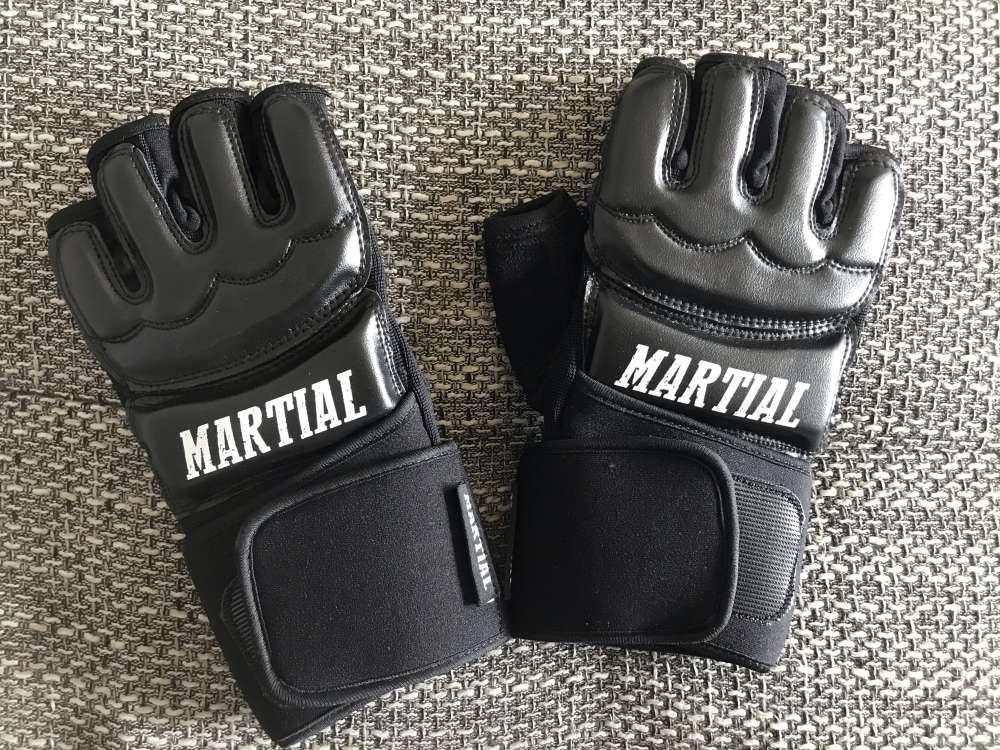 MMA Handschuhe von Material